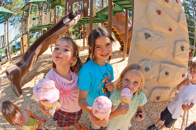 Kids eating icecream at the park